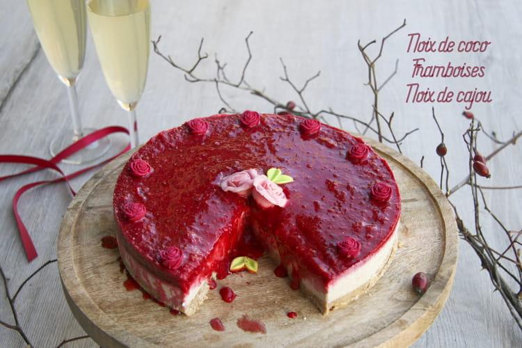 Cheesecake végétalien sans gluten à la noix de coco et framboise