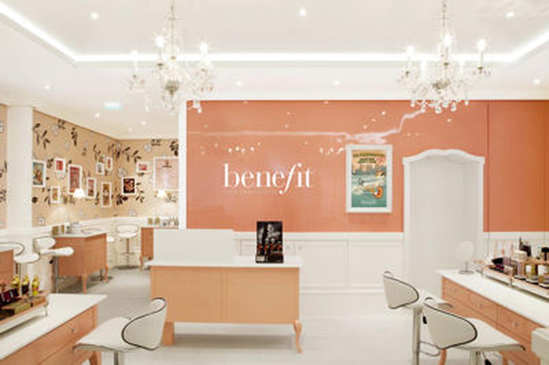 Benefit ouvre sa première boutique à Paris!