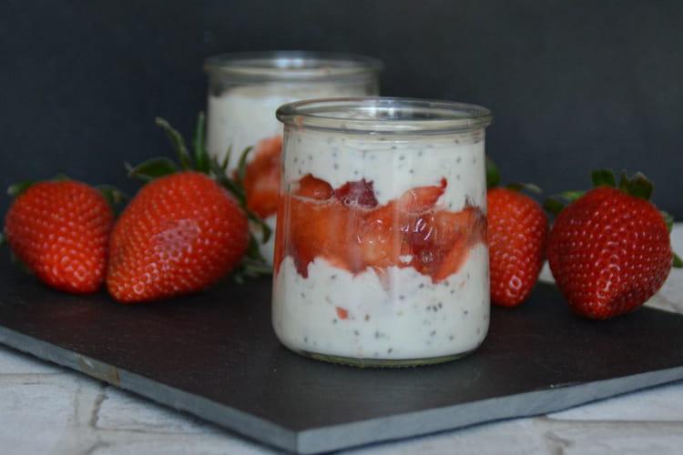 Trifle fraise, banane et graines de chia