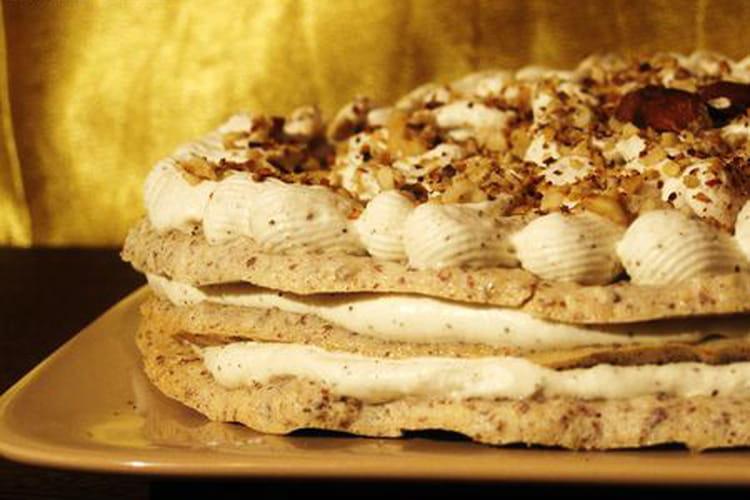 Gâteau meringué aux noisettes et au café