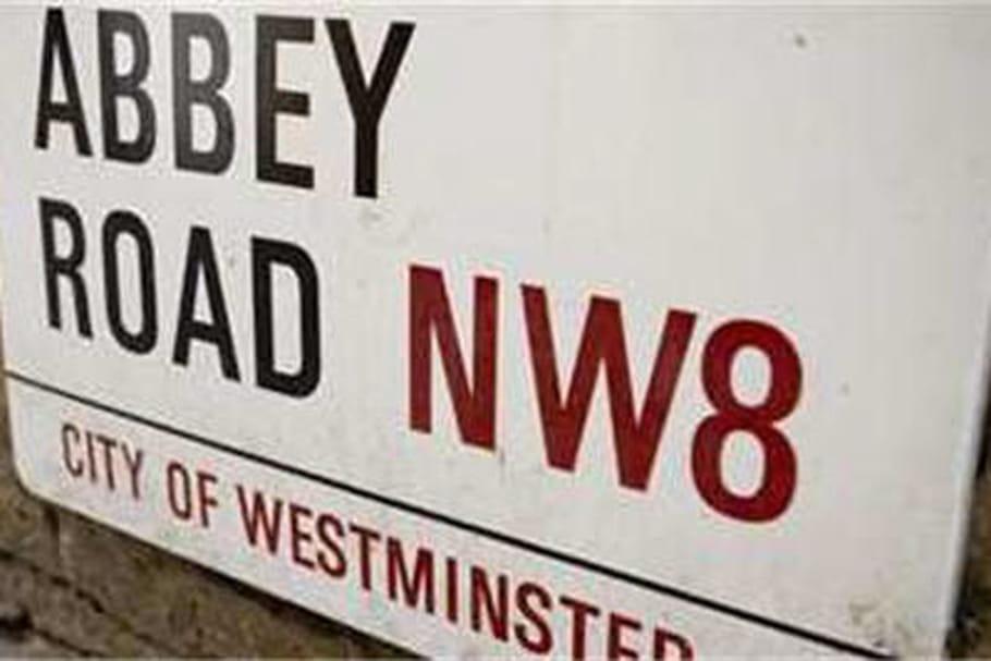 Enregistrer une chanson à l'Abbey Road studio grâce à l'hôtel The Savoy