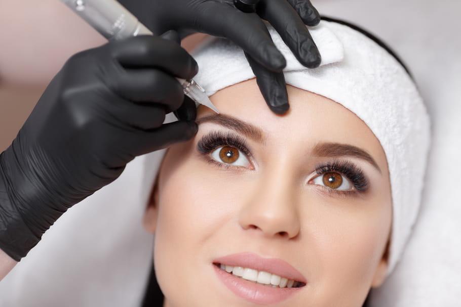Brow lamination: une méthode semi-permanente pour des sourcils fournis