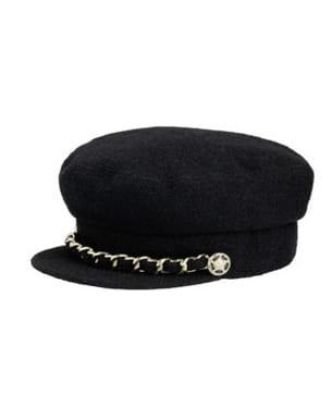 Coup de coeur de la semaine   la casquette en tweed de Chanel f375eb9283f