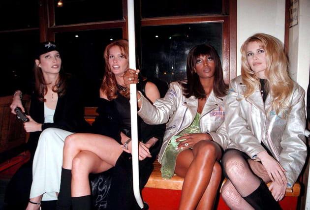 Christy Turlington, Elle McPherson, Naomi Campbell et Claudia Schiffer le 15juin 1999