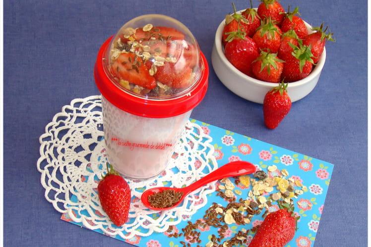 Yaourt aux fraises et muesli