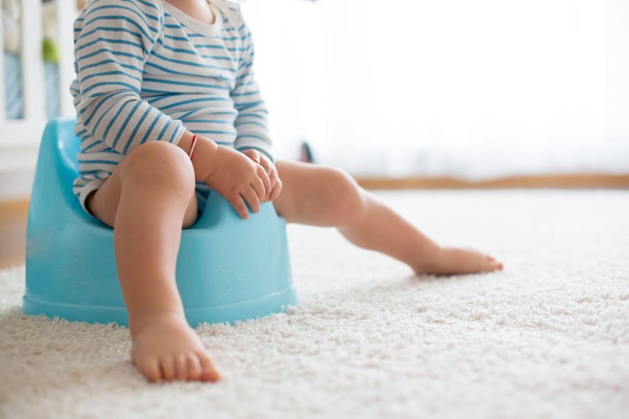 Acquisition de la propreté: à quel âge commencer le pot?