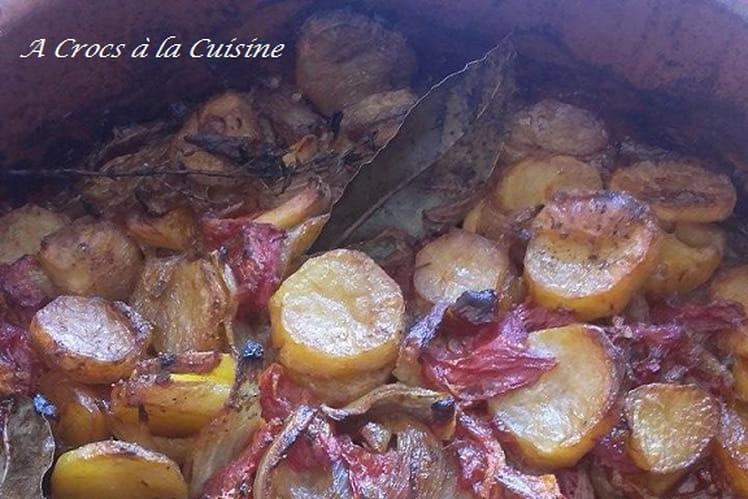 Poêlée de pommes de terre, tomates et oignons