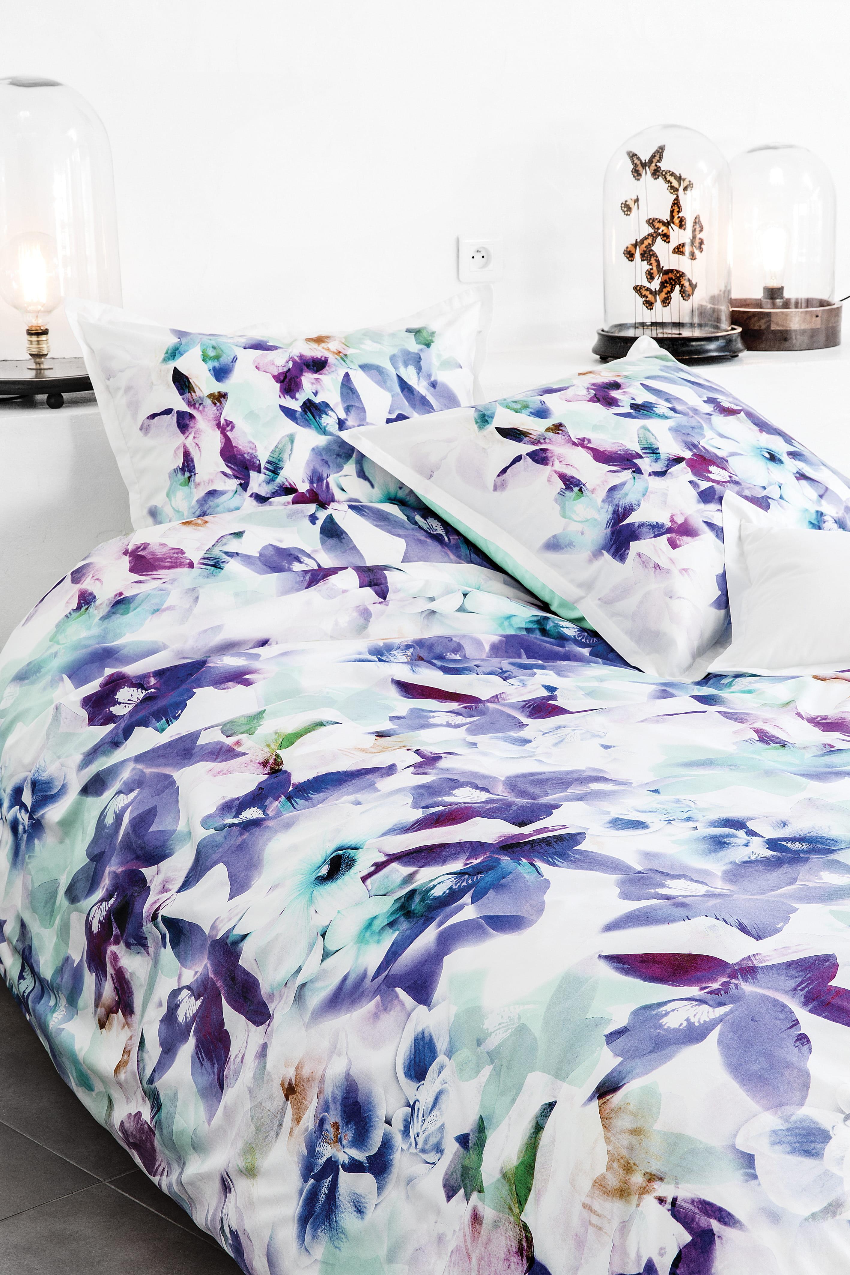Linge de lit fleuri bleu de carr blanc - Linge de lit carre blanc ...