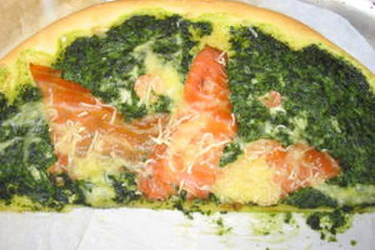 Pizza crevettes, saumon, épinard