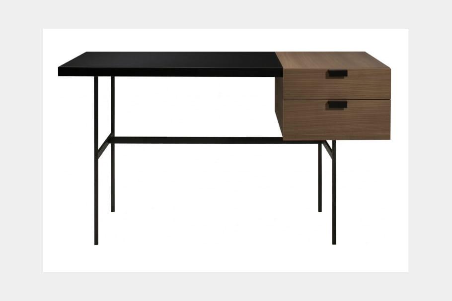 le bureau tanis pierre paulin en 10 meubles iconiques journal des femmes. Black Bedroom Furniture Sets. Home Design Ideas