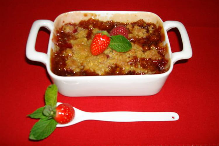 Crumble fraises et framboises au caramel de balsamique