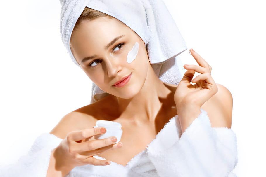 Comment avoir une belle peau? Les bons réflexes qui font tout