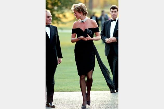 Lady Di en petite robe noire