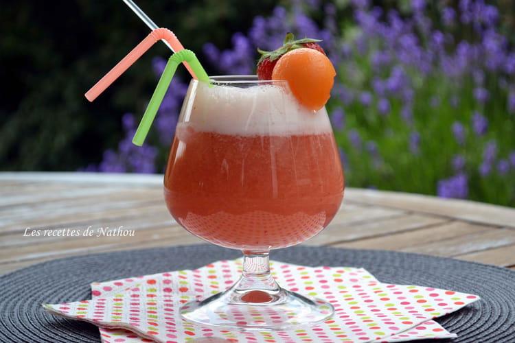 Eau pétillante au melon et à la fraise