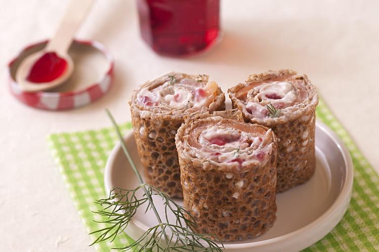 Galettes de sarrasin au saumon, aneth, ricotta et Gelée de Groseilles Bonne Maman®, façon Maki