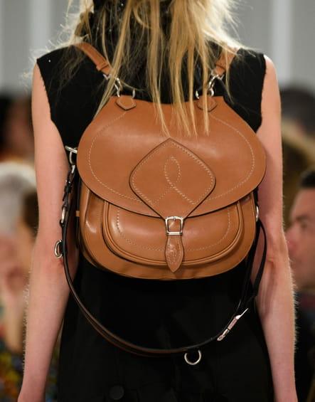 Le sac à dos en cuir du défilé Maison Margiela