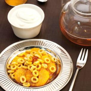 anneaux de céréales au caramel, salade d'orange et caramel