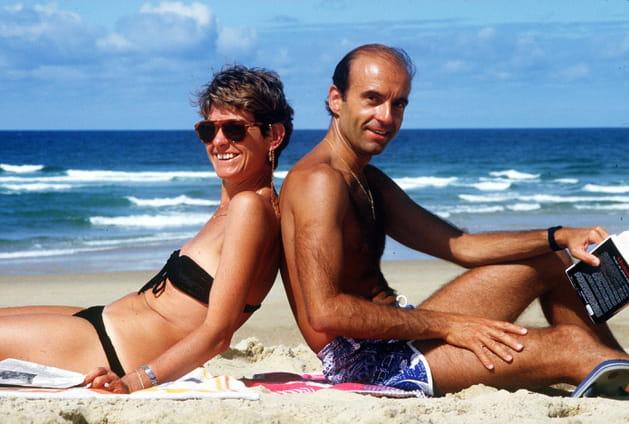 Alain Juppé et sa première femme, Christine Leblond, à Hossegor (1981)