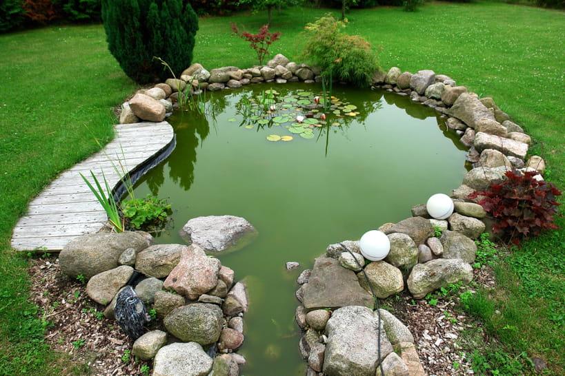 Construire un bassin de jardin en 8étapes