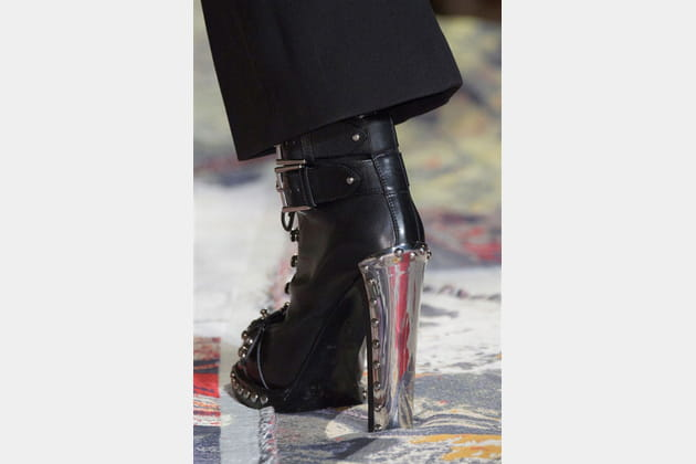 Alexander Mcqueen (Close Up) - photo 6