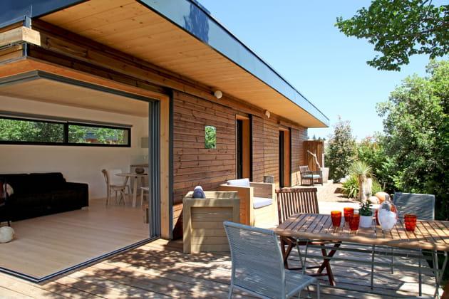 Une salle à manger tout en bois