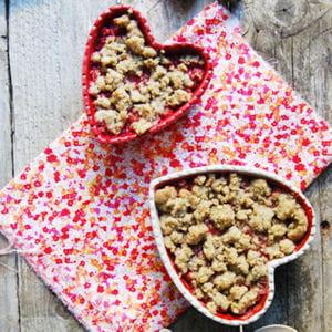crumble de fraises et rhubarbe au seigle