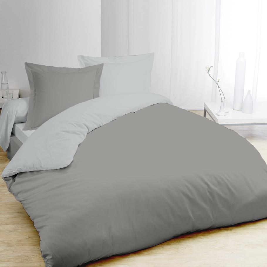 la parure de lit bicolore mon linge de lit petit prix journal des femmes. Black Bedroom Furniture Sets. Home Design Ideas