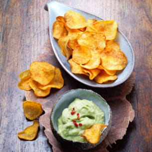 chips de patates douces et guacamole