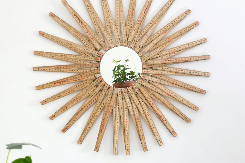 Fabriquer un miroir avec des mètres détournés