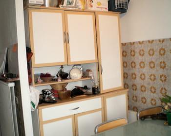 Une cuisine ann es 1970 modernis e for Deco cuisine 1970