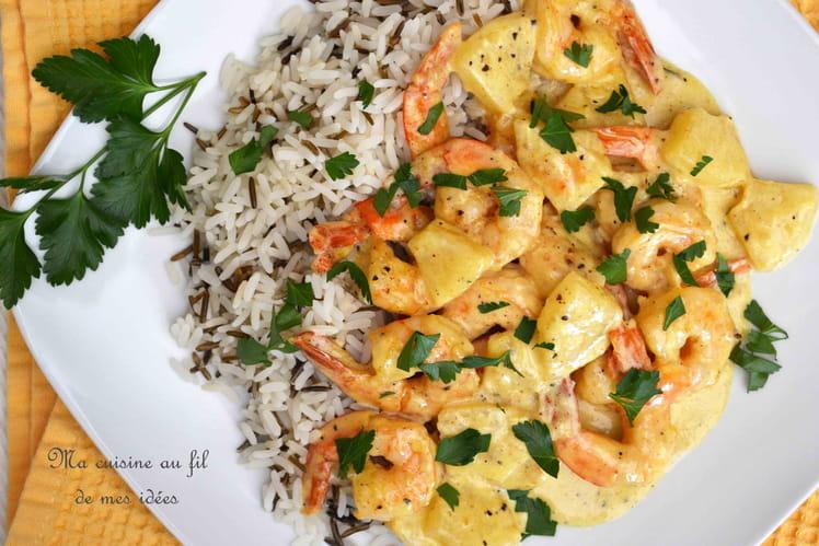 Scampis et ananas à la sauce curry et curcuma