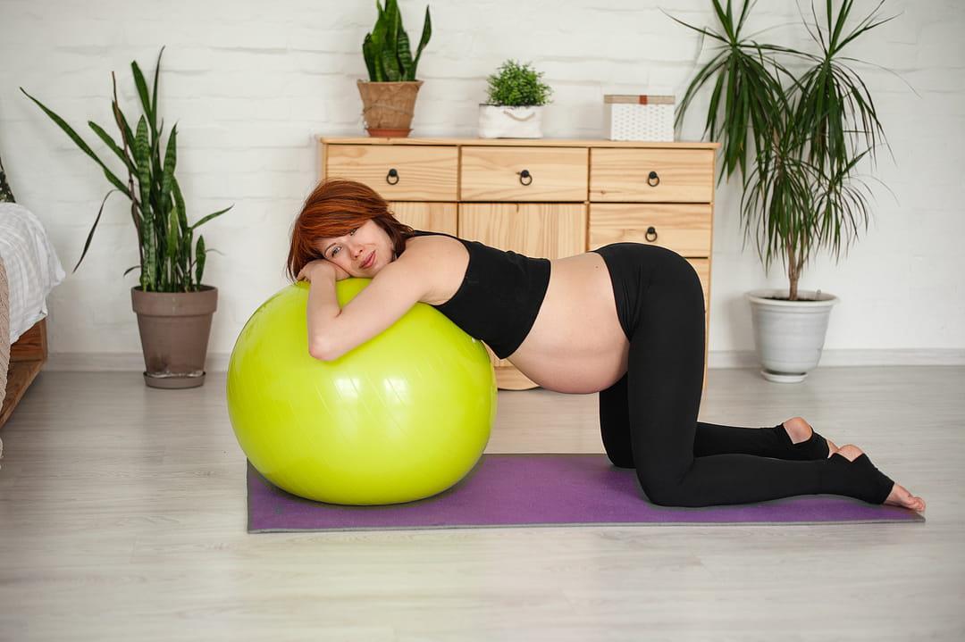 faire-descendre-bebe-ballon-grossesse