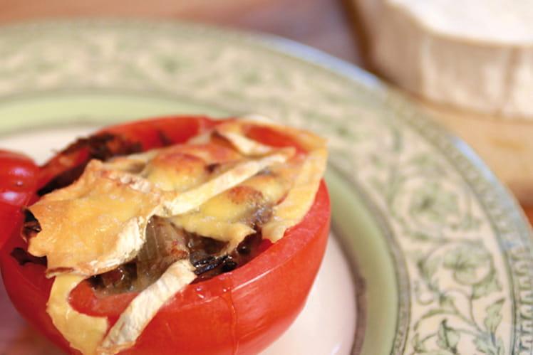 Tomates farcies, cuisses de canard confites et Neufchâtel AOP