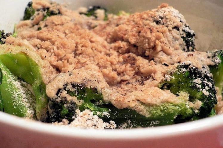 Crumble brocoli-béchamel à la brousse