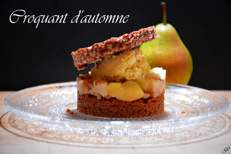 Dessert Croquant d'automne à la poire, spéculoos et chocolat