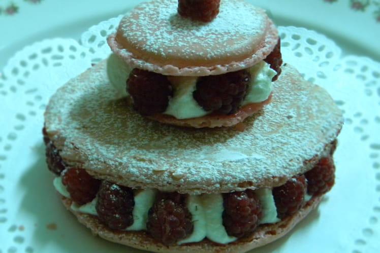 Tarte macaron framboises/chantilly