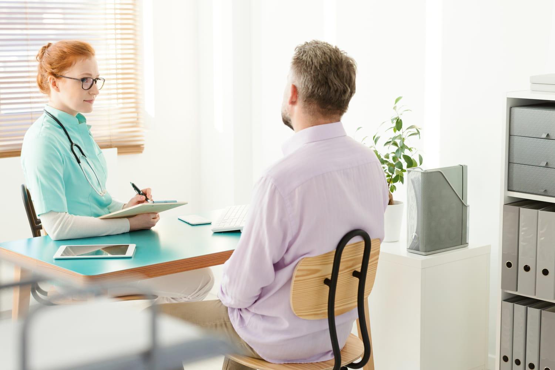 Gastro-entérologue: ce qu'il soigne, déroulé d'une consultation