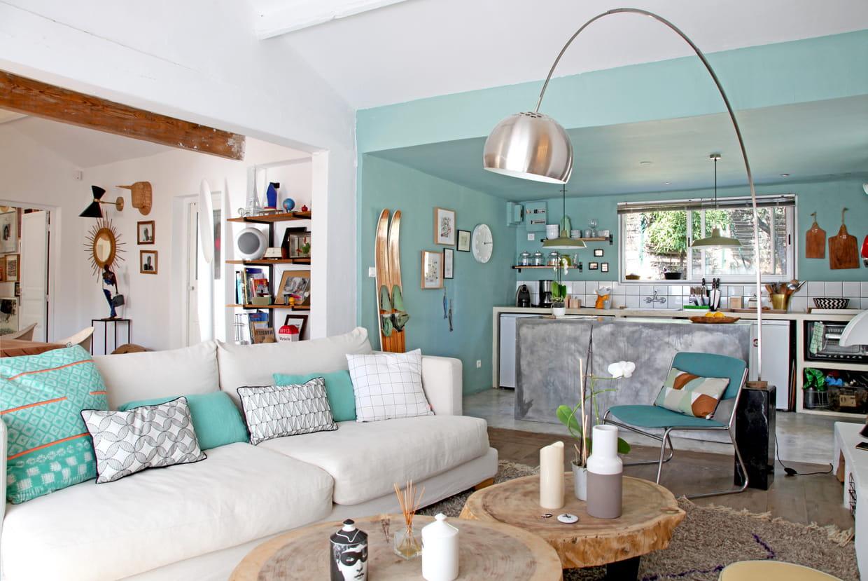 salon bleu pastel. Black Bedroom Furniture Sets. Home Design Ideas