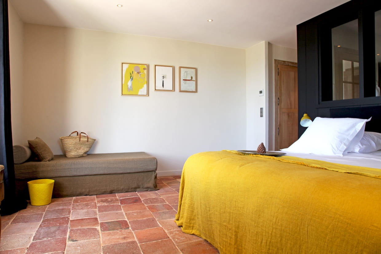 suite parentale jaune. Black Bedroom Furniture Sets. Home Design Ideas