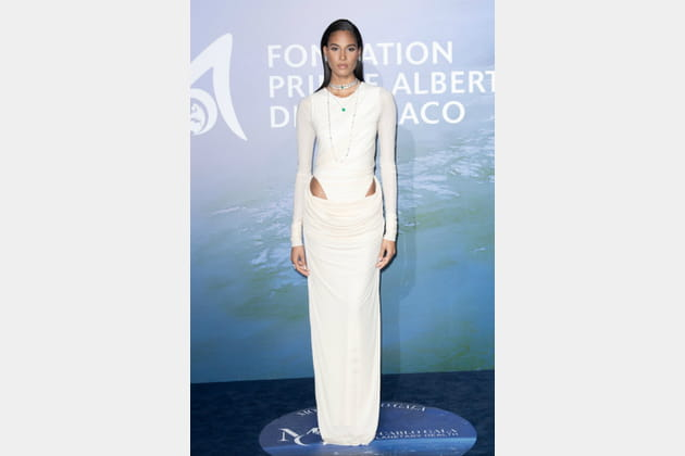TOP: Cindy Bruna en robe Y/Project