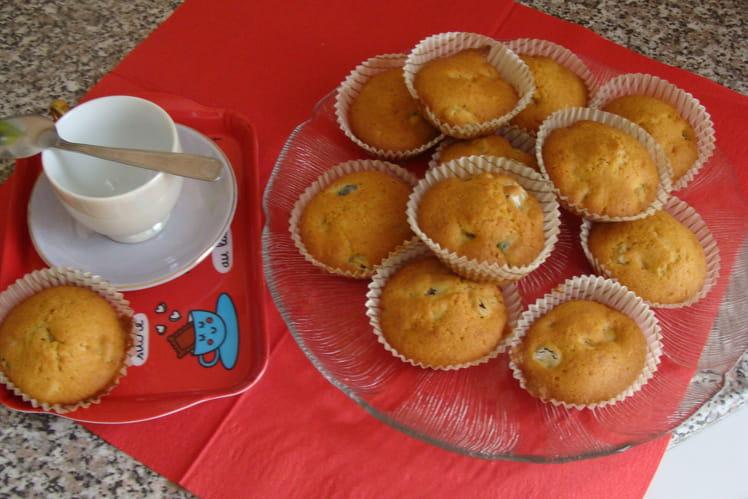 Petits cakes aux raisins secs et fruits confits