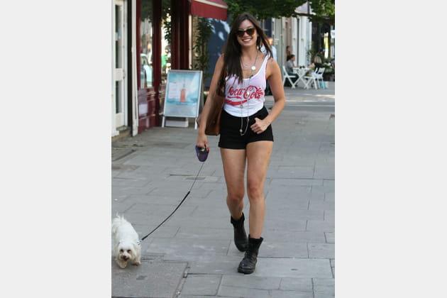 Daisy Lowe et son chien à Londres