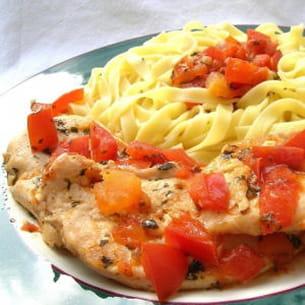 blanc de poulet au pistou et à la tomate
