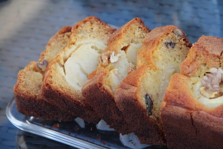 Cake aux pommes Golden du Limousin, noix de l'Ardèche et miel