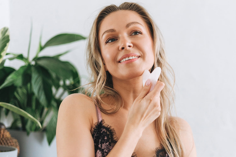 Gua Sha: l'outil anti-âge en vogue pour une peau parfaite