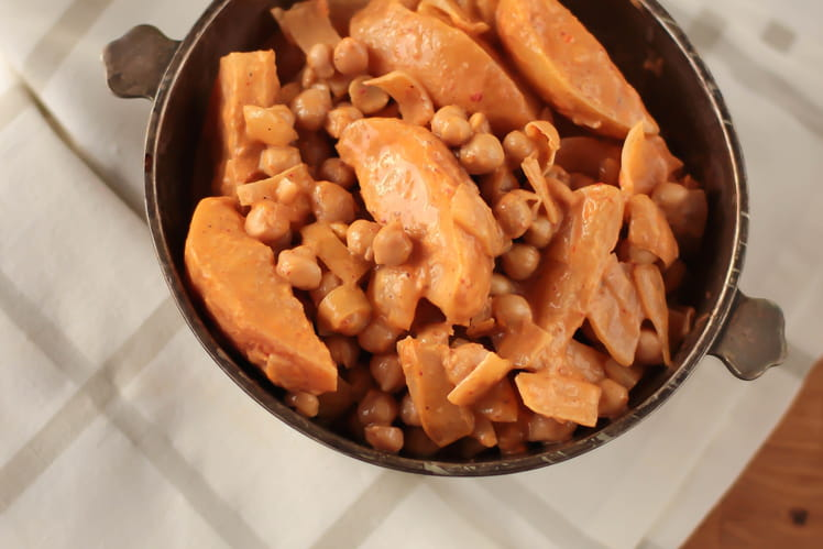 Curry massaman de pois chiches aux pommes