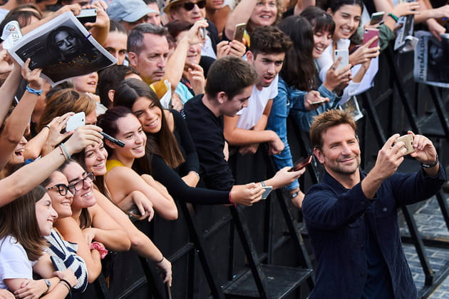 Bradley Cooper, expert en selfie et en duckface