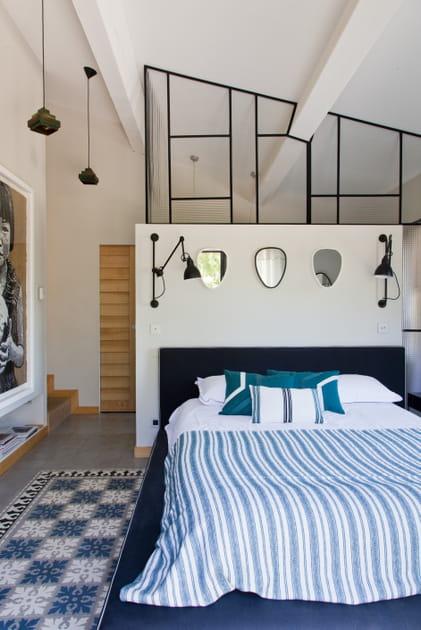 Une chambre avec verrière qui en jette