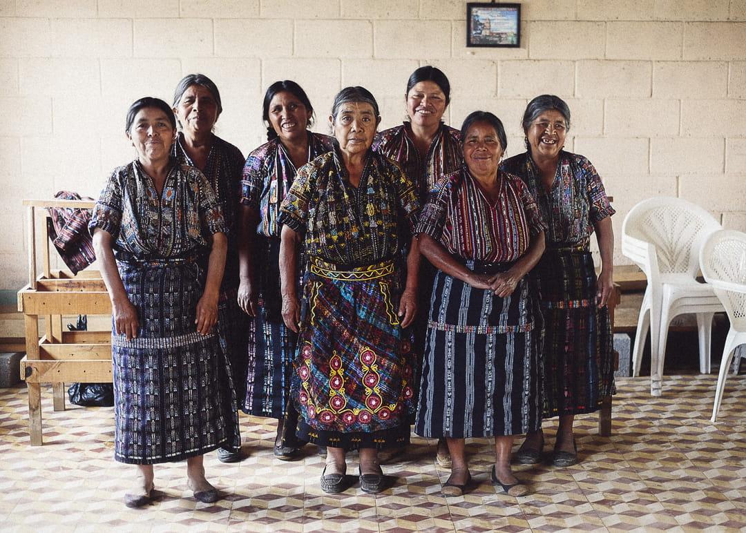 femmes-tisserandes-coutume