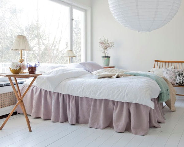 cache sommier bemz. Black Bedroom Furniture Sets. Home Design Ideas